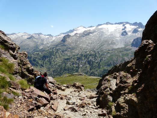 wandern trekking bergsteigen in den spanischen pyren en. Black Bedroom Furniture Sets. Home Design Ideas
